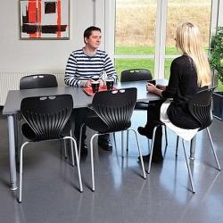 Bord med 6 stole